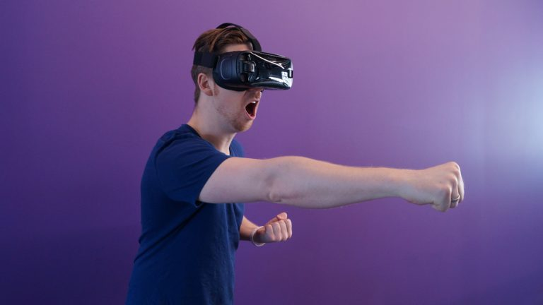 Augmented vs Virtual vs Mixed Reality. What's the difference?